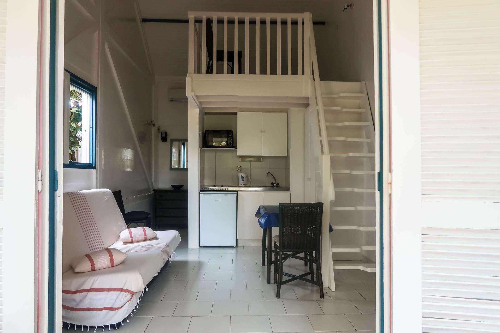 habitation-abricot-location-saisonniere-studio-vue-interieure
